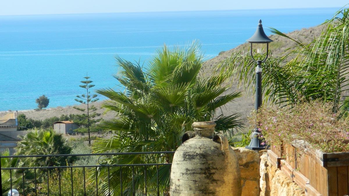 Casa vacanza al mare sicilia villa con piscina vista - Residence con piscina in sicilia ...