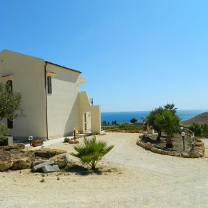 Casa-Vacanza-con-Piscina-in-Sicilia